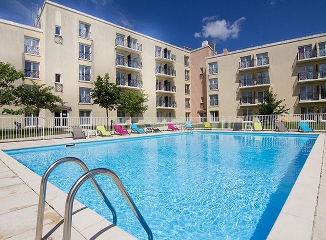 piscine-residence-du-parc-val-d-europe